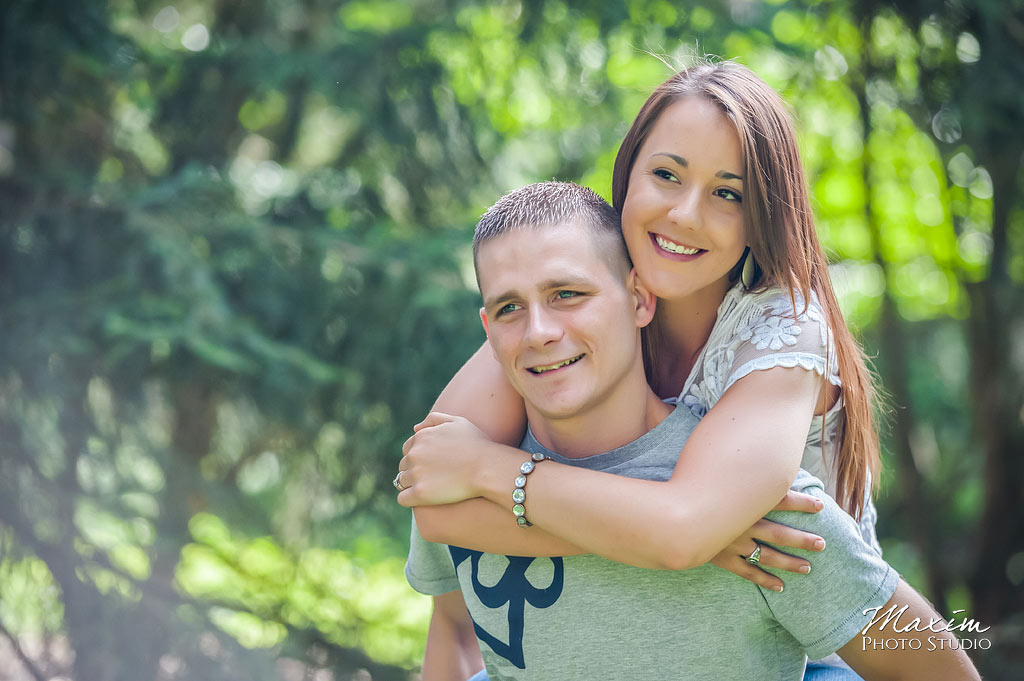 Inniswood metro gardens columbus engagement evergreen photography