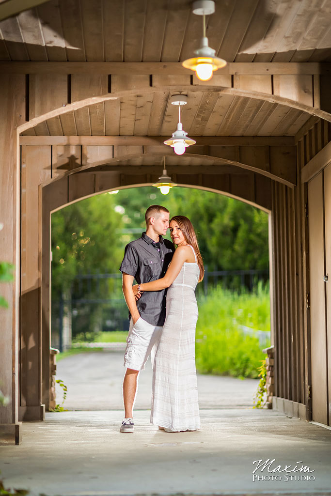 Inniswood metro gardens columbus engagement walkway photography