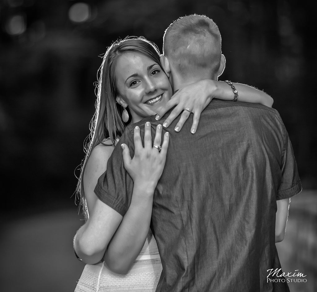 Inniswood metro columbus engagement black and white