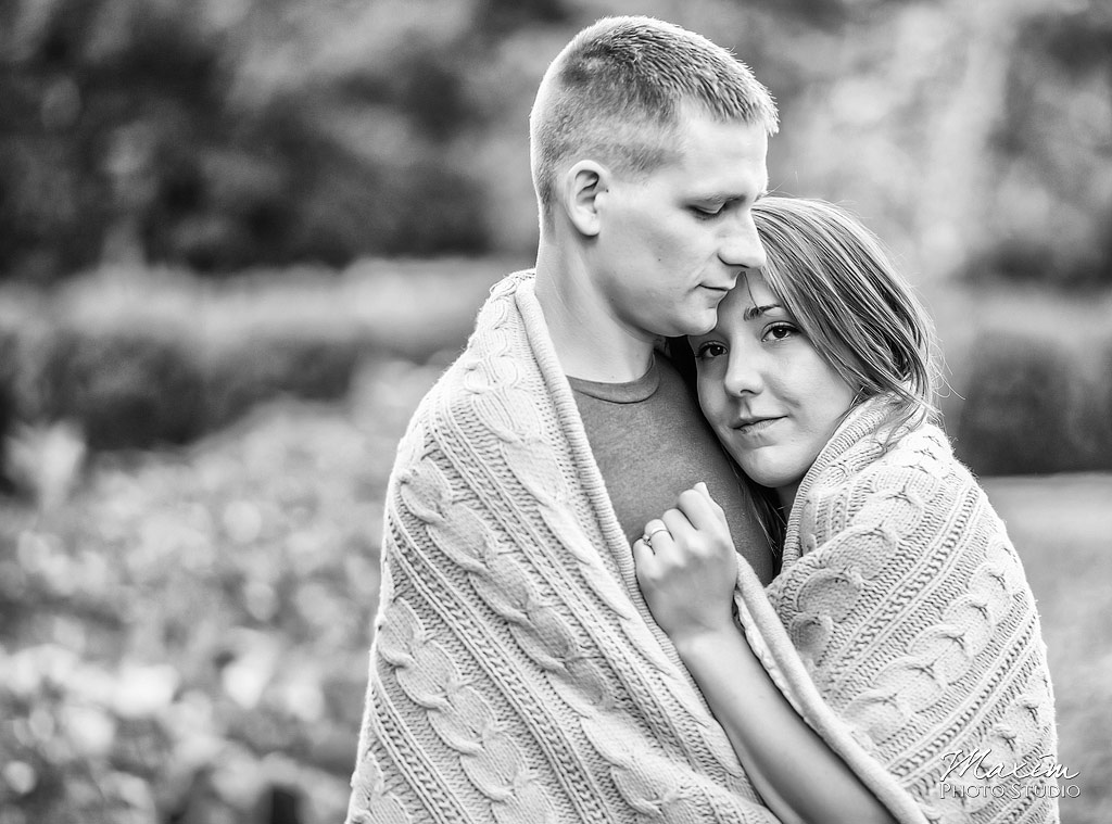 Inniswood metro gardens columbus engagement blanket photography