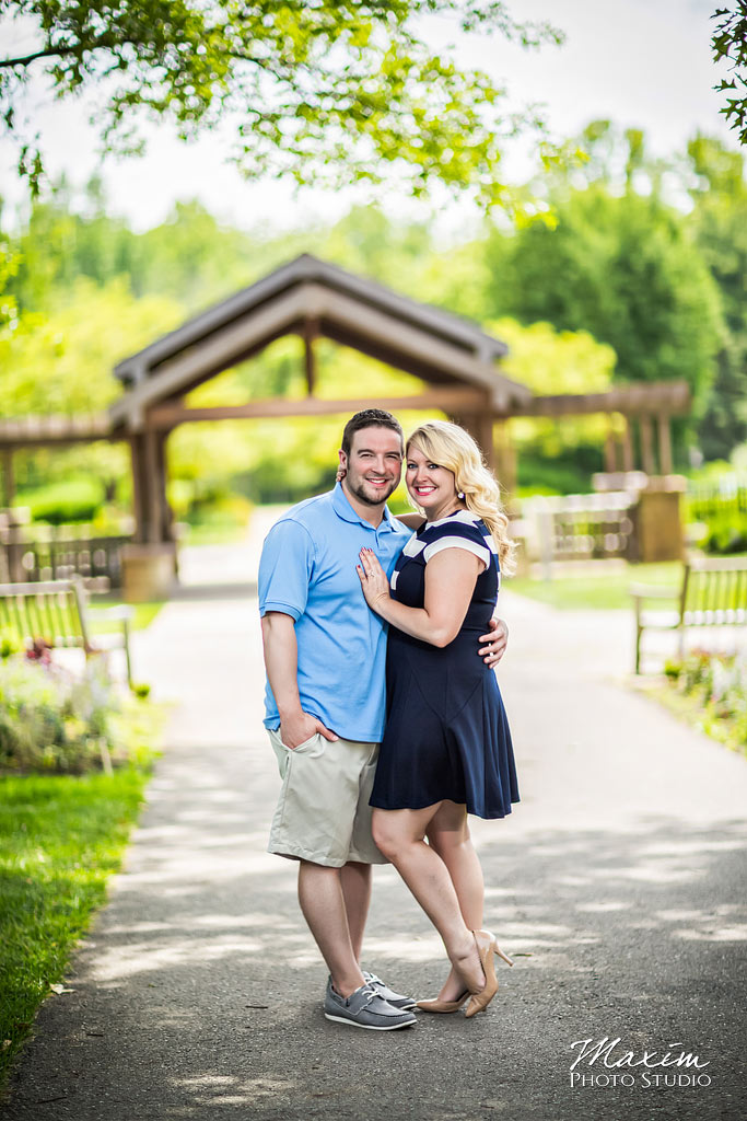 Inniswood Metro Gardens Columbus engagement pictures