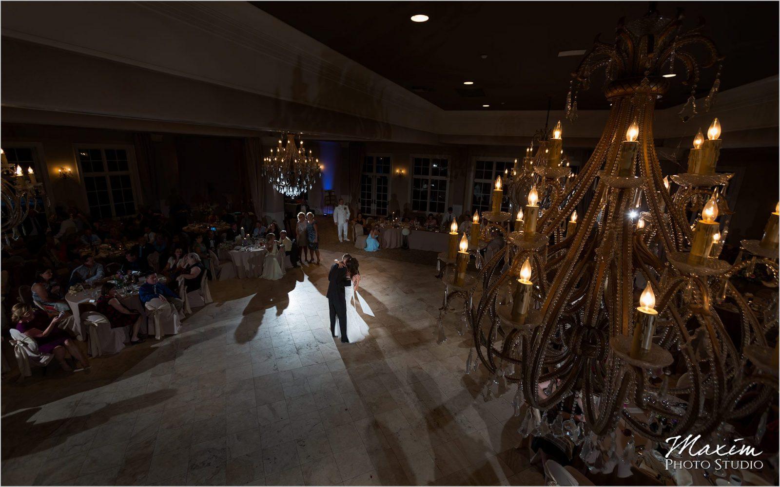 Columbus Wedding Photographers Pinnacle Golf Club Wedding reception