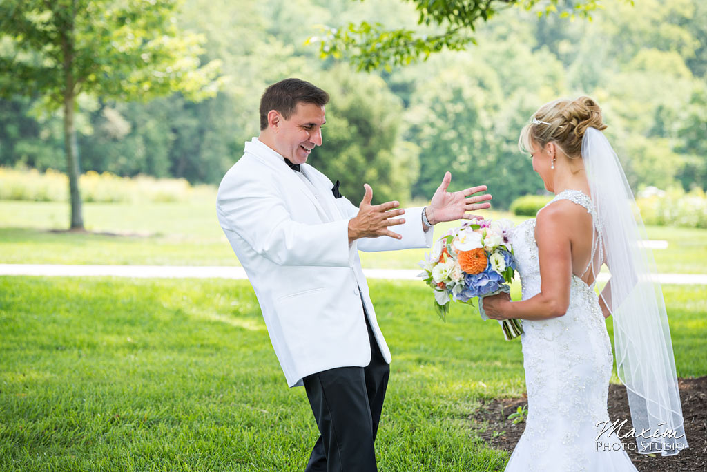french-park-cincinnati-ohio-wedding-first-look