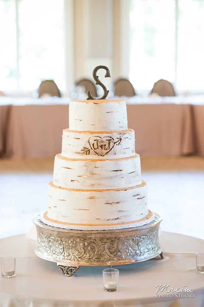 Pinnacle Golf Club wedding cake