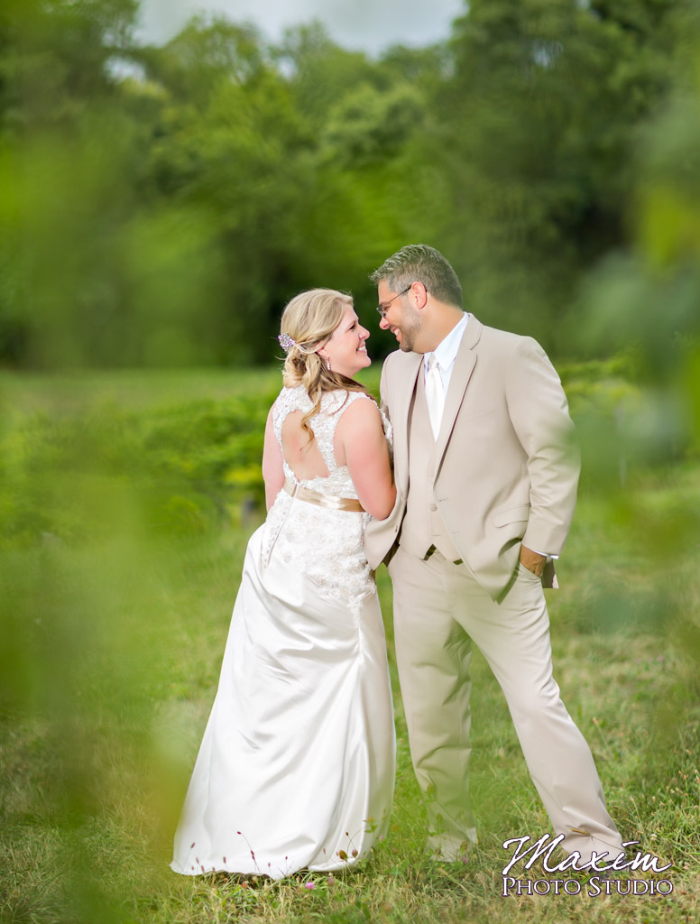 Vinoklet-winery-cincinnati-wedding-portrait-01