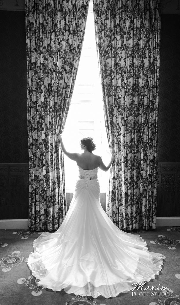the-phoenix-cincinnati-wedding-bride-picture-02