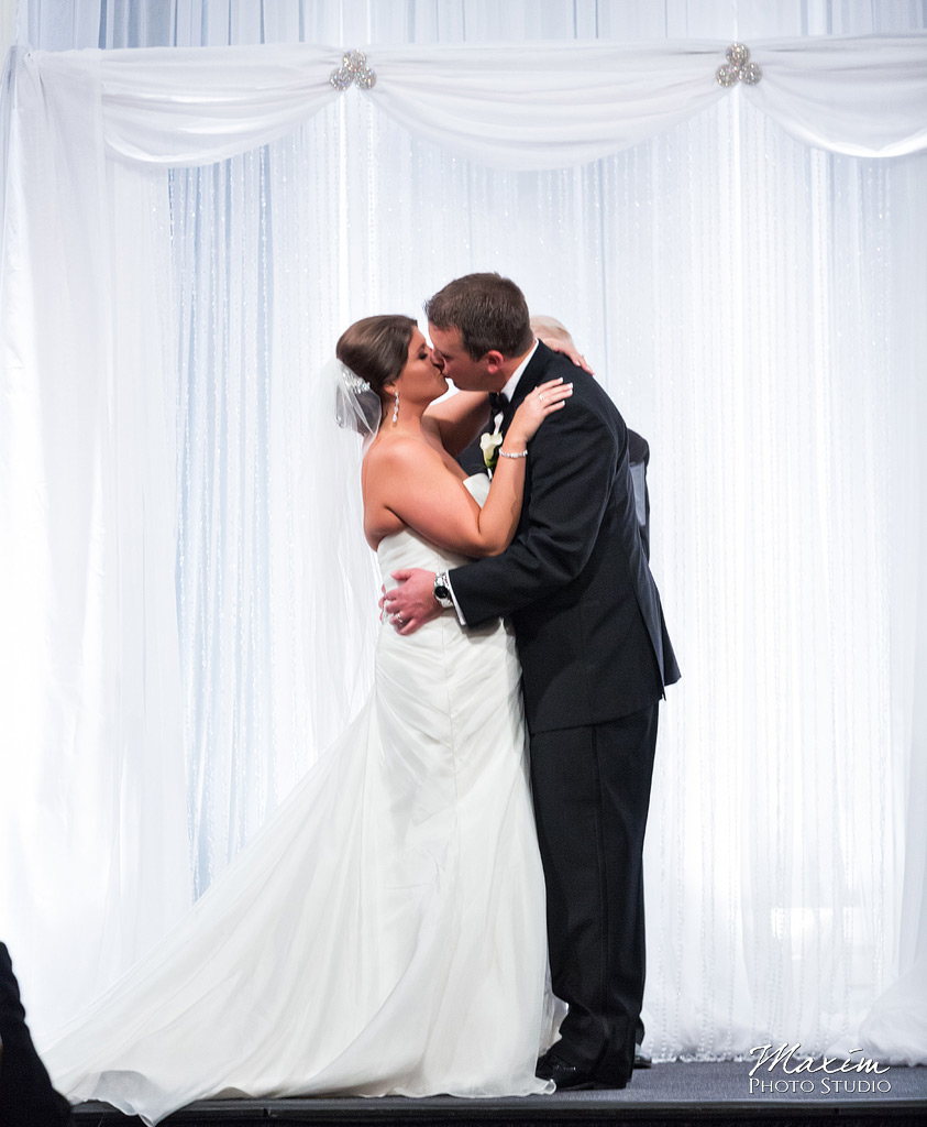 the-phoenix-cincinnati-wedding-ceremony-01