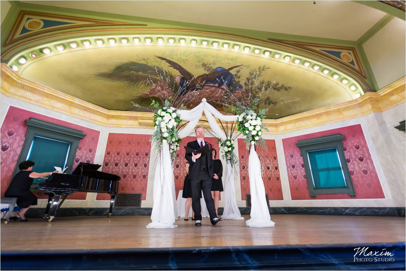 Memorial Hall Cincinnati Wedding Jewish Ceremony