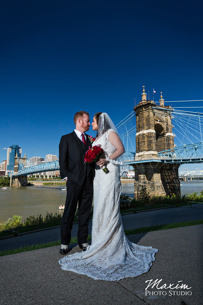 Roebling Bridge Cincinnati Wedding Picture