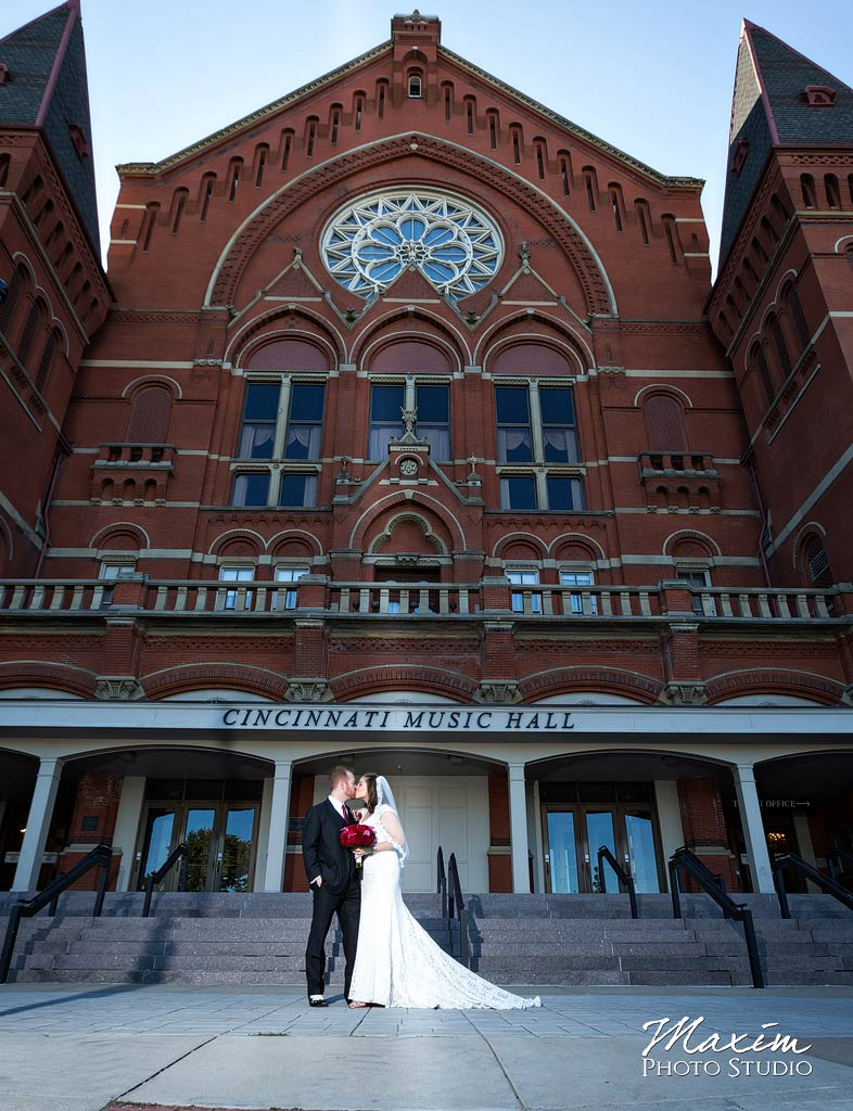 Cincinnati Music Hall pictures bride and groom.