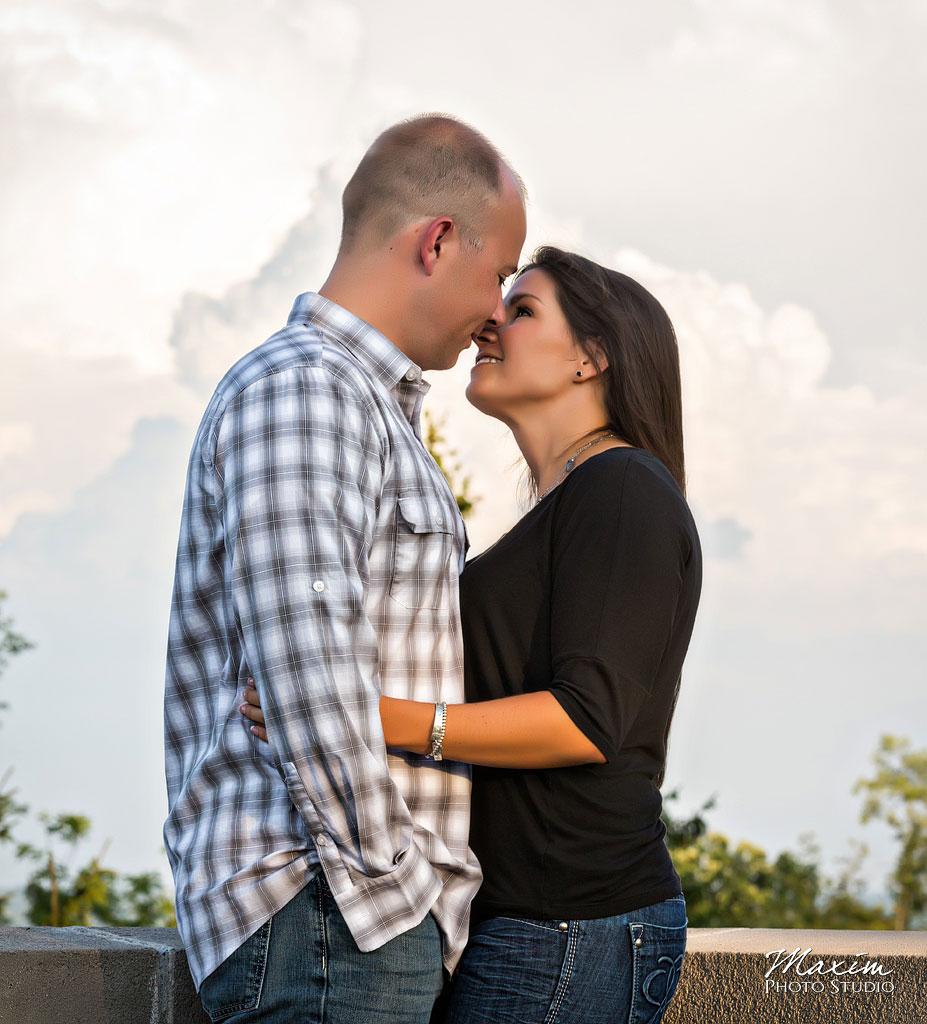 Ault-park-cincinnati-engagement-photo-02