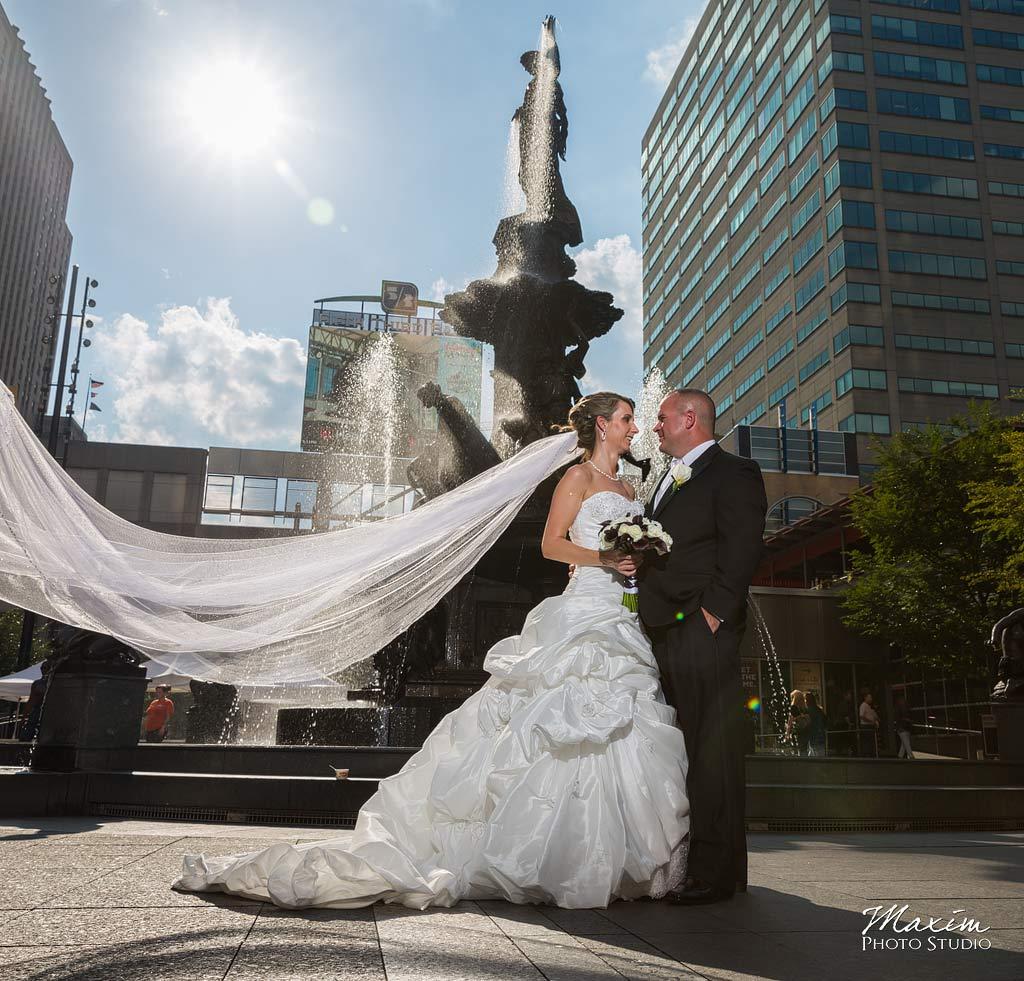 Fountain Square Cincinnati Wedding veil