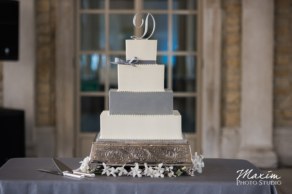 Wedding Cake by Spoon Fulla Sugar