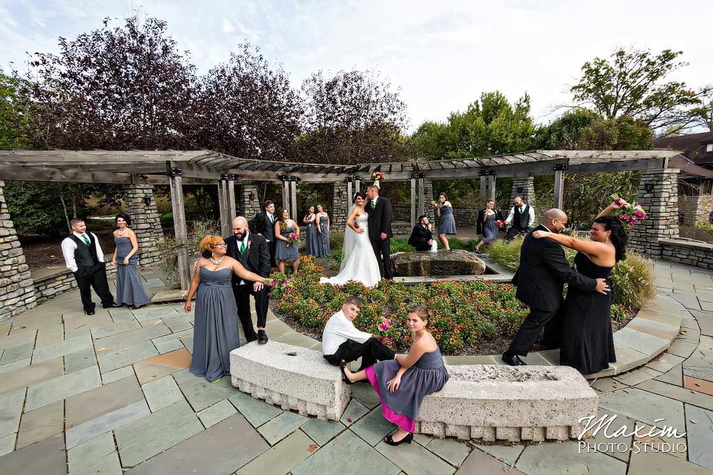 Glenwood Gardens Bridal party wedding picture