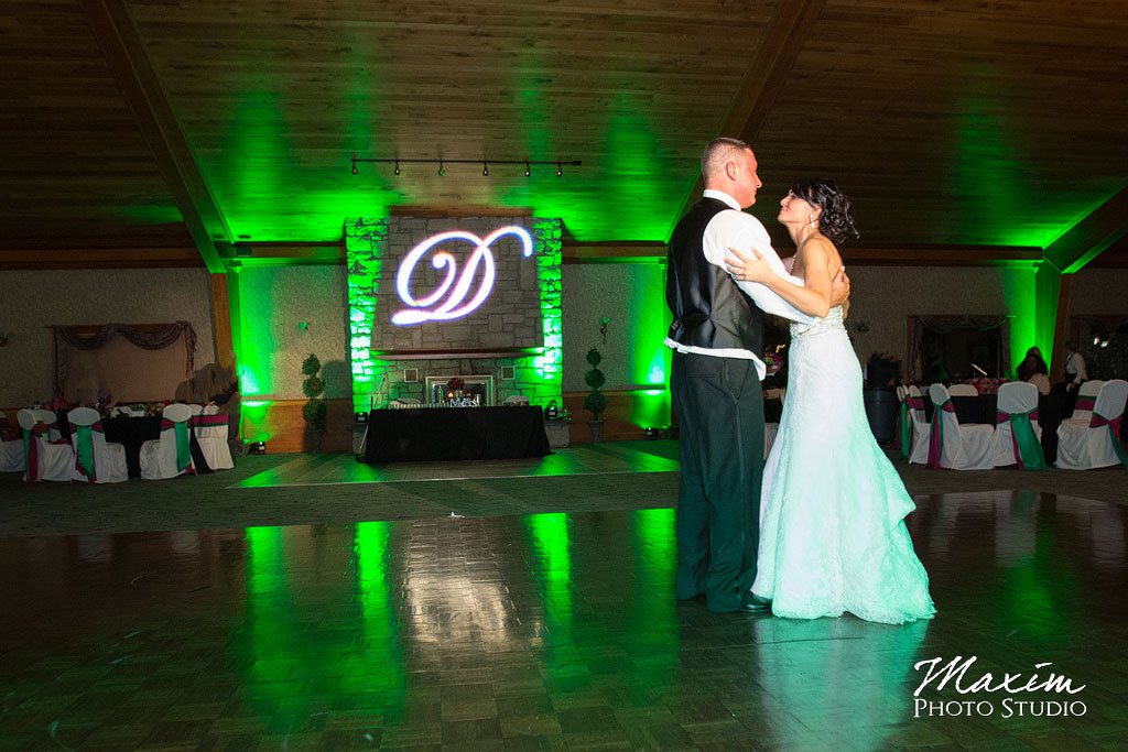 Lake Lyndsay wedding dance