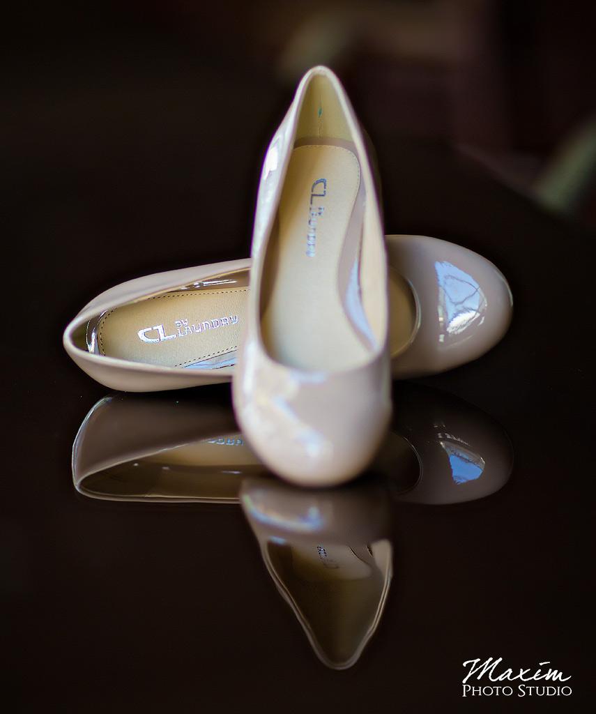 Hyatt Cincinnati Ohio Wedding Bride shoes