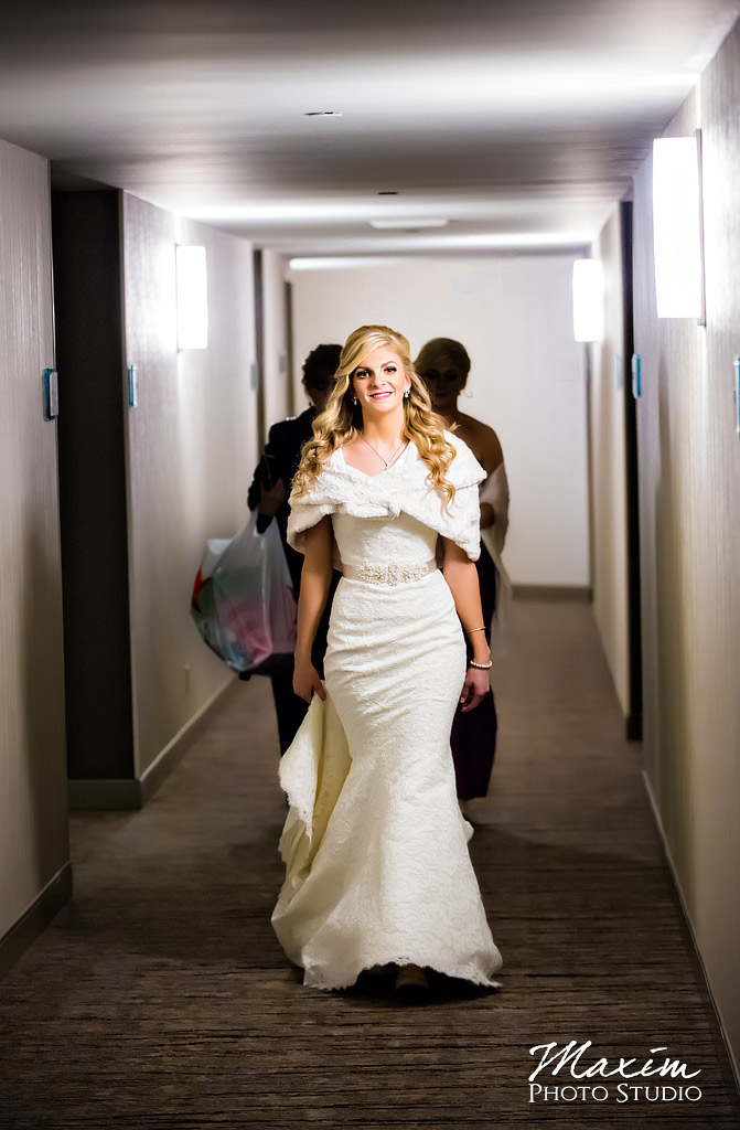 Hyatt Cincinnati Ohio Wedding Bride