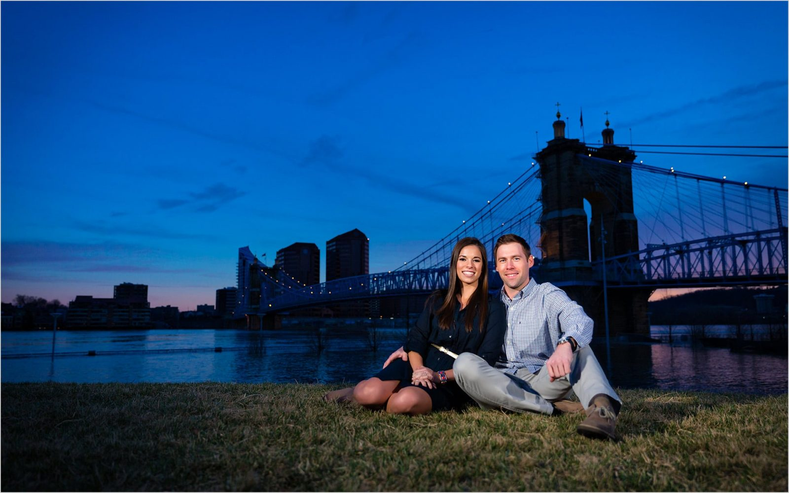 Cincinnati Wedding Photographers Smale Riverfront Park Engagement