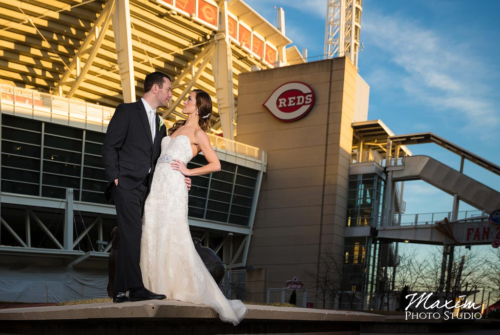 Great-American-ballpark-cincinnati-wedding-photography-ca-01