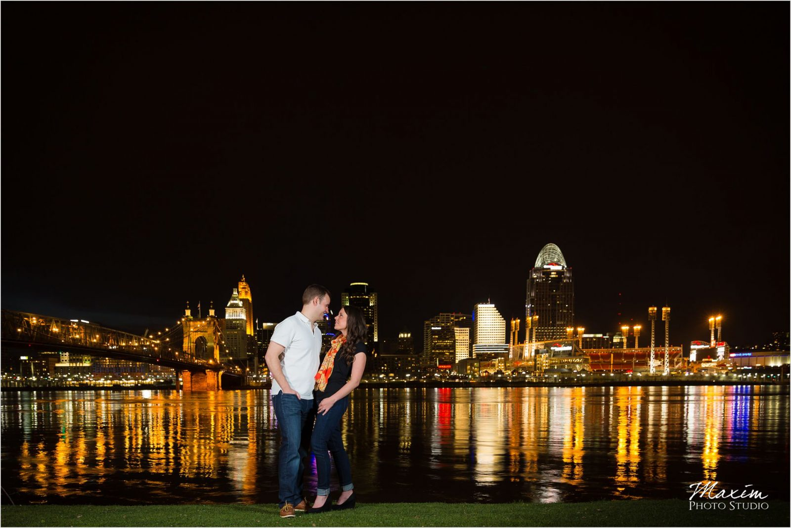 Cincinnati Overlook Wedding Photographers night Engagement Drees Pavilion
