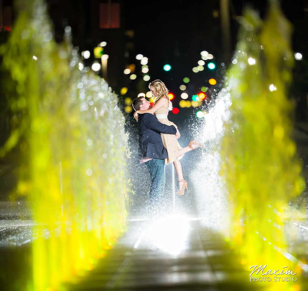 Downtown Cincinnati Engagement with Off Camera Flash Smale Riverfront Park