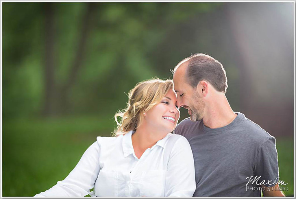Ault Park Cincinnati Engagement Off Camera Flash
