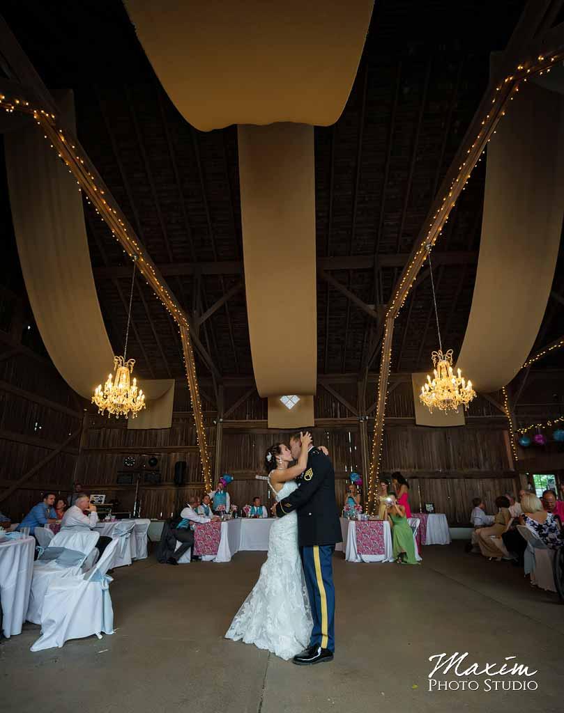 Cincinnati-ohio Best Wedding Photographer