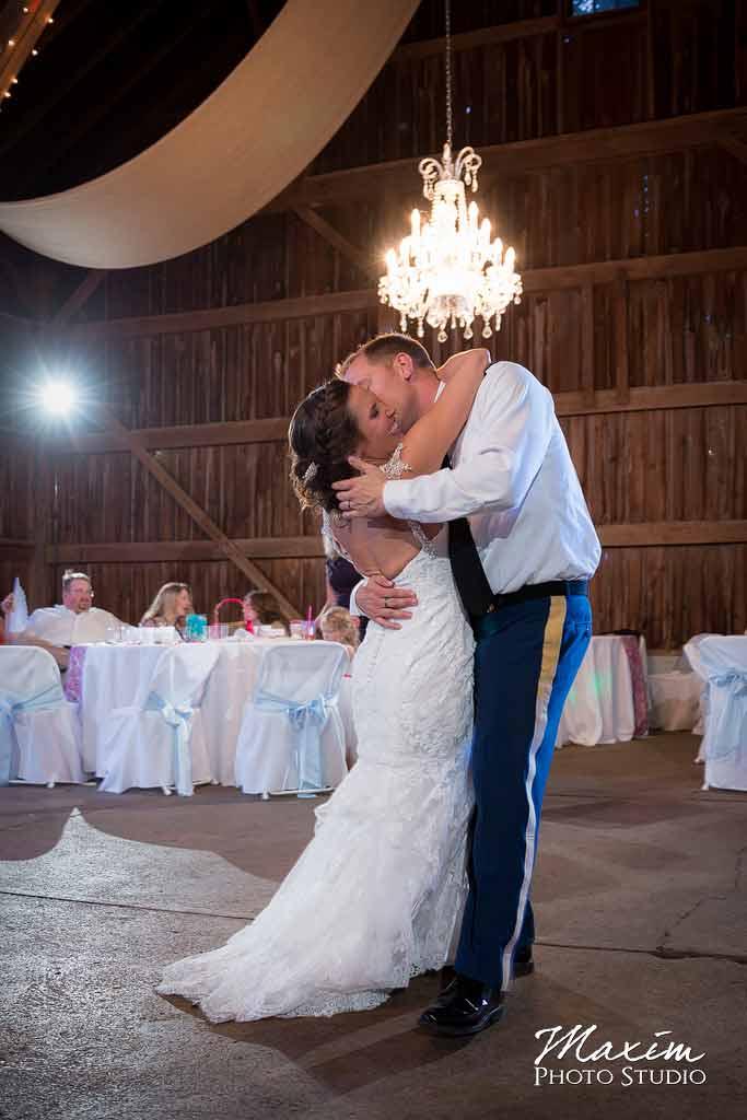 Willow Tree Wedding Off Camera Flash