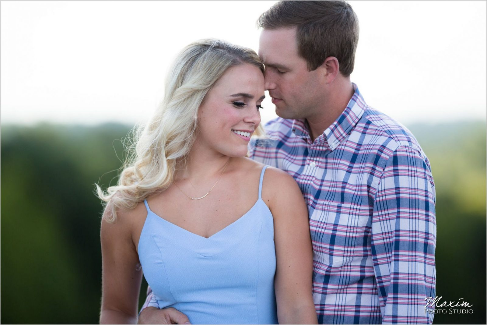 Ault Park Cincinnati Natural light engagement