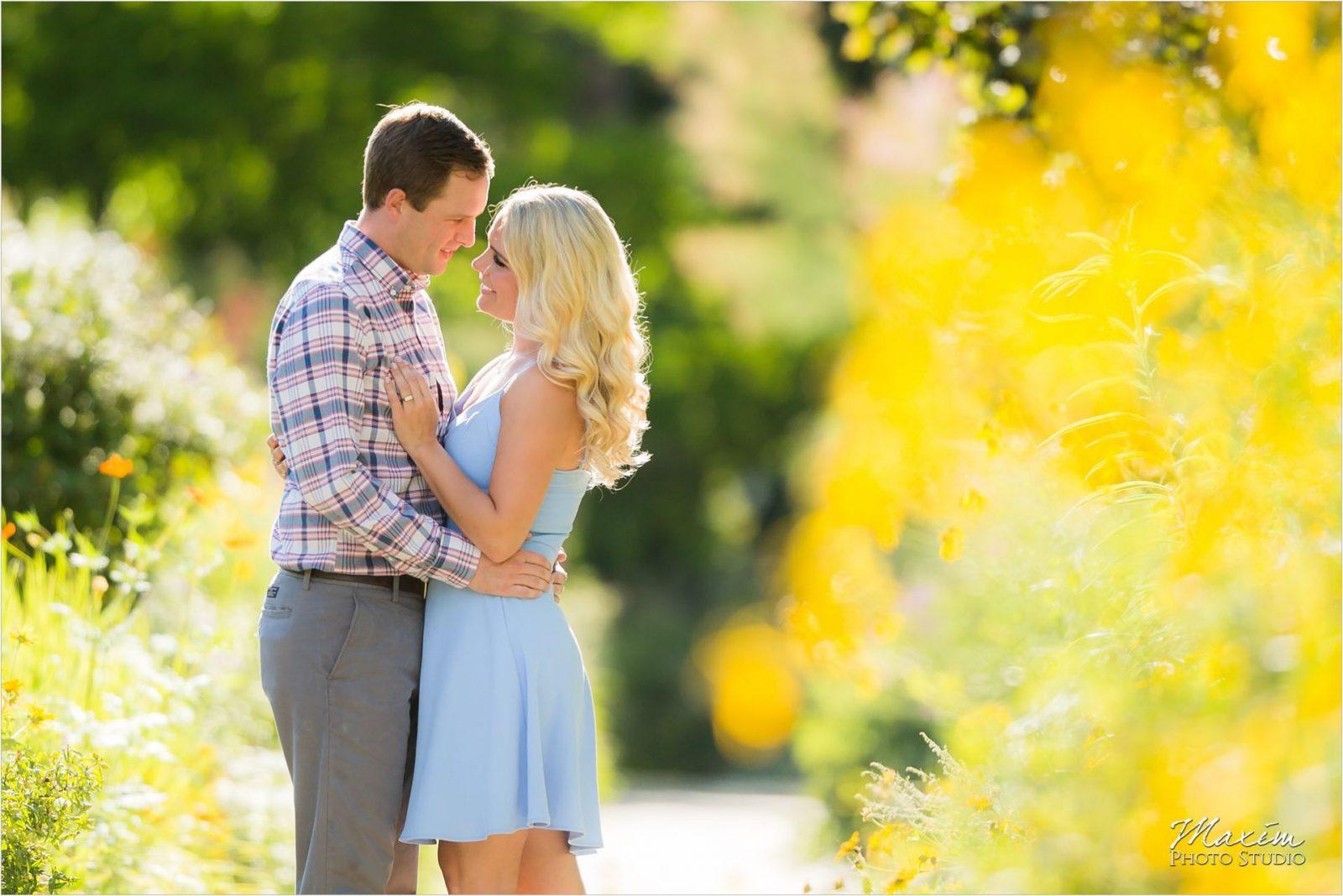 Ault Park Cincinnati Wedding Engagement yellow flowers