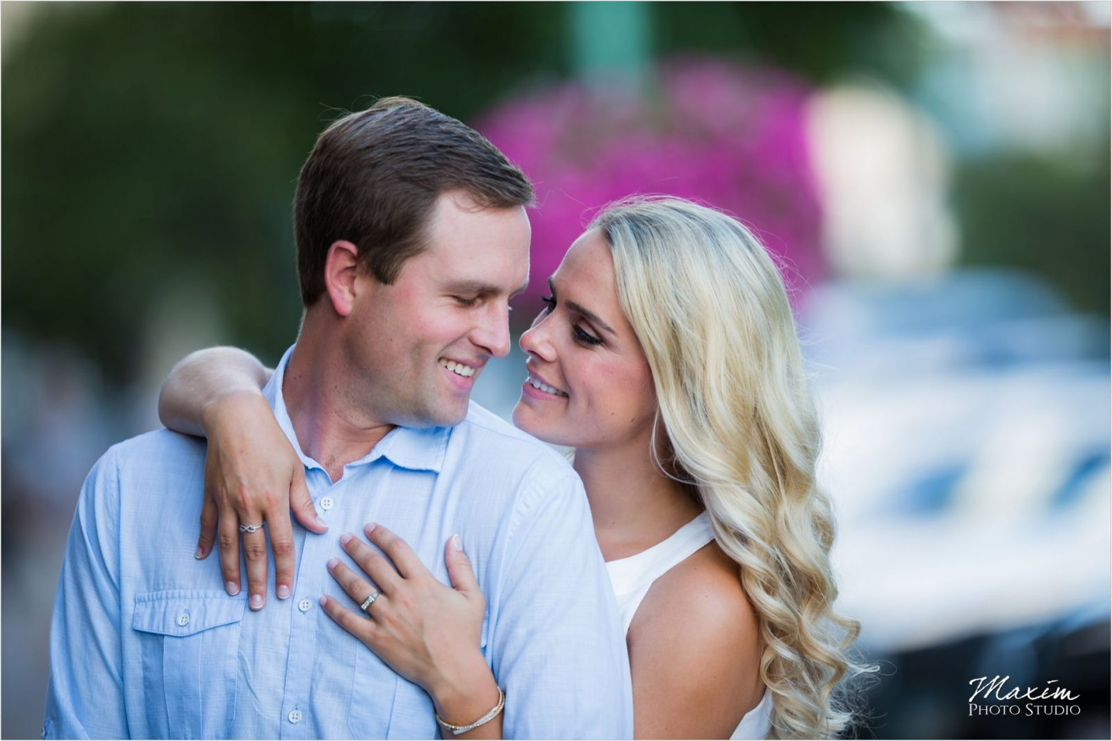 Hyde Park Cincinnati Engagement Photography
