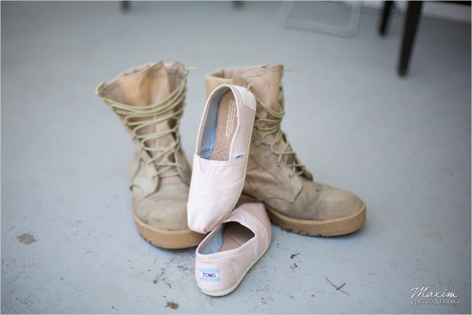 Cincinnati Wedding Photographers Bellarmine Chapel preparations wedding shoes