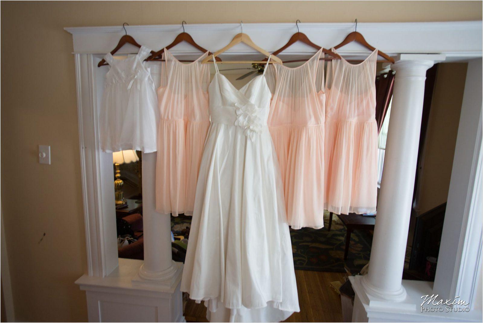 Cincinnati Wedding Photographers Krippendorf Lodge preparations