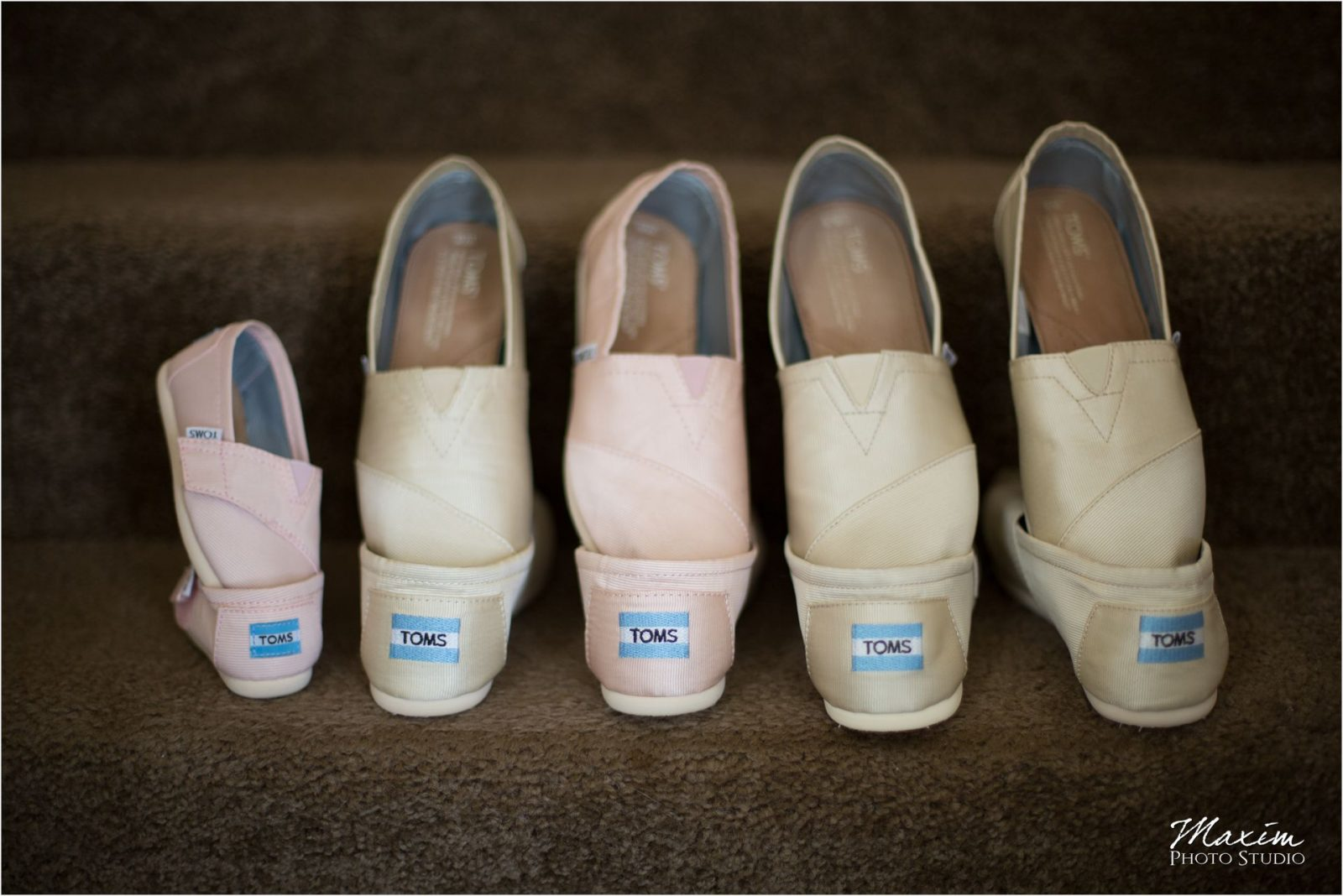 Cincinnati Wedding Photographers Bellarmine Chapel preparations wedding shoes