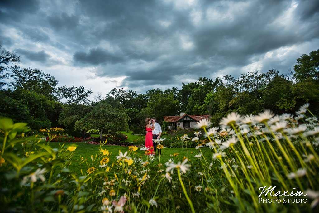 Engagement photographer Smith Gardens Dayton
