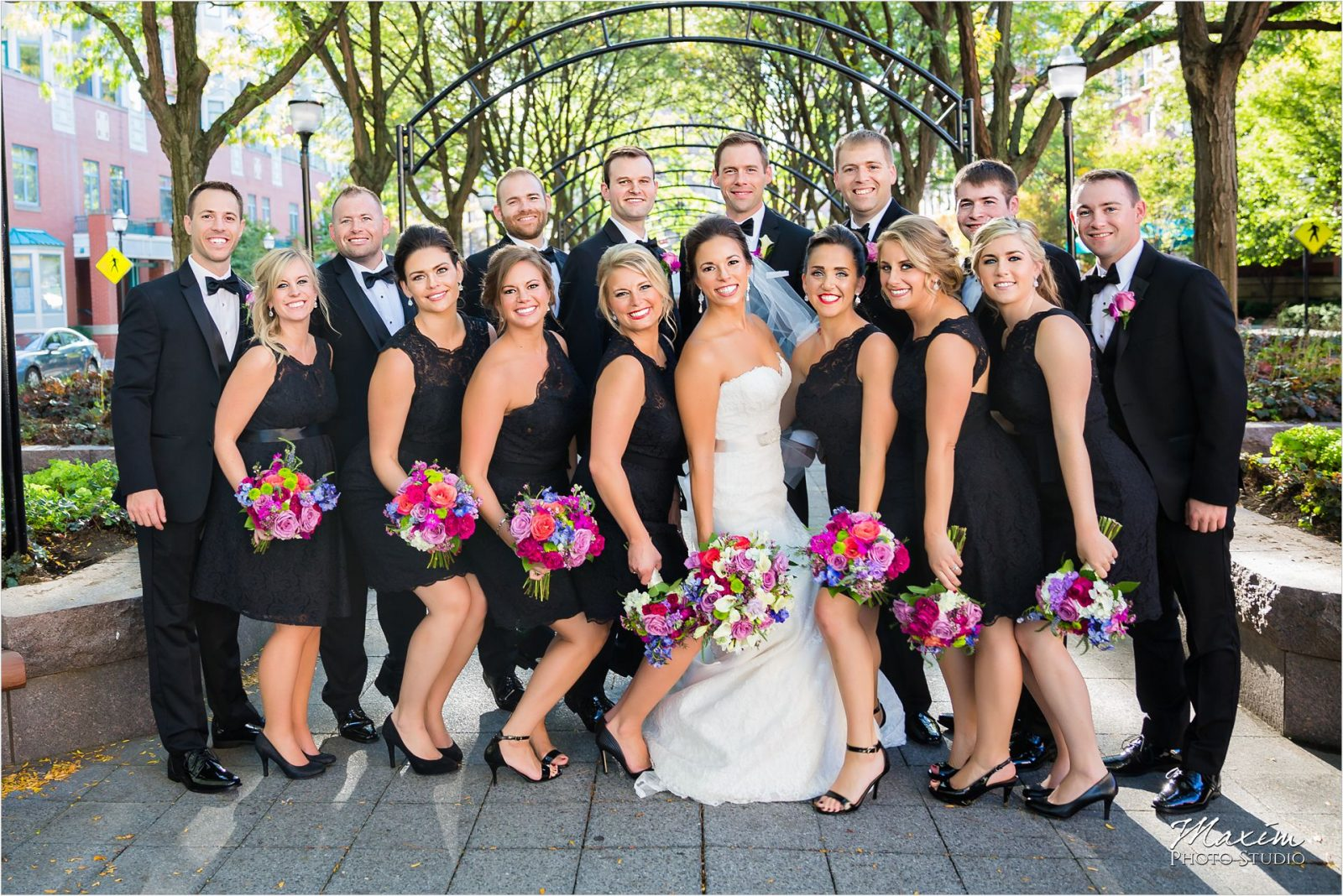 Bridal Party Piatt Park Cincinnati Wedding pictures