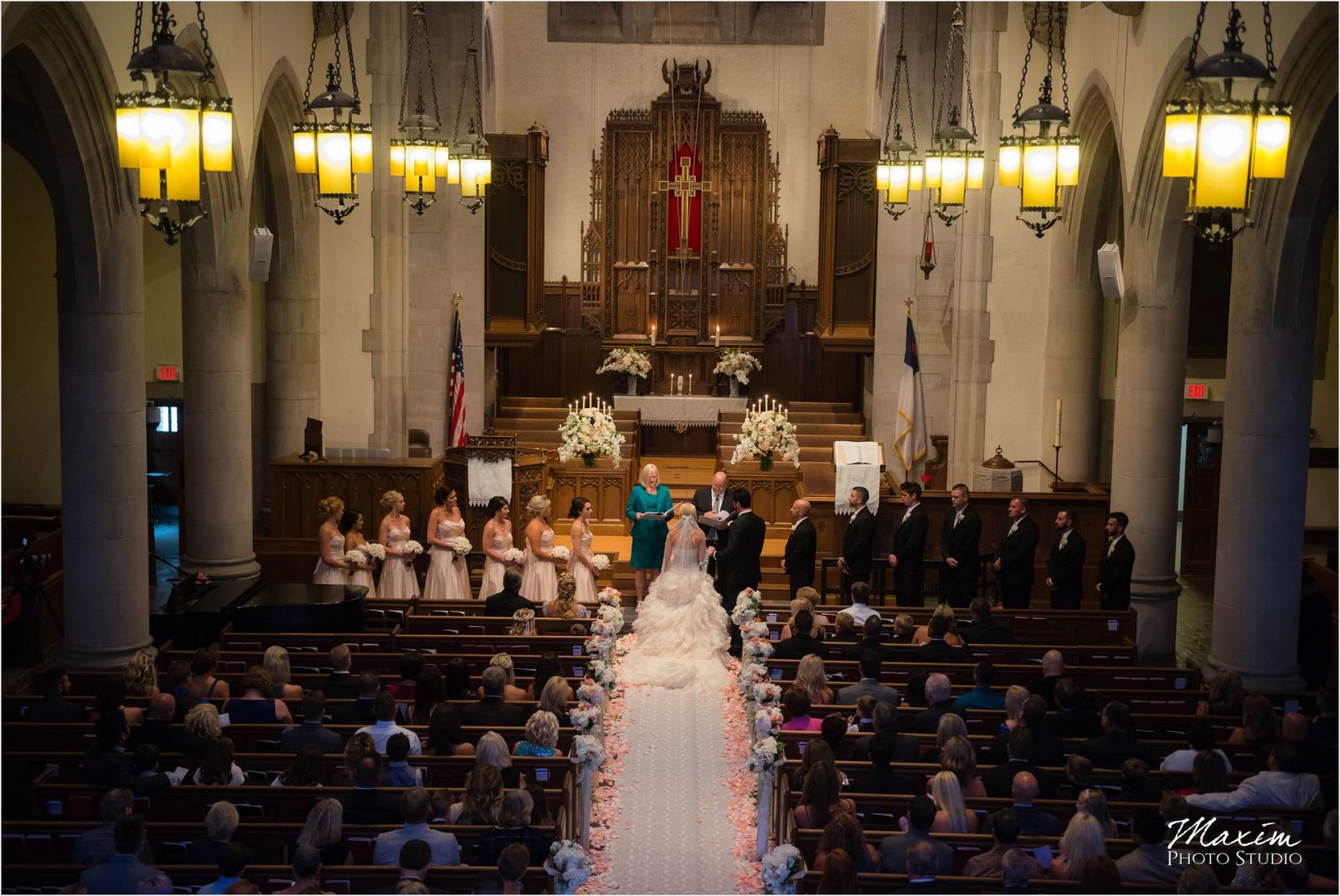 Cincinnati Wedding Photographers Hyde Park United Methodist Church Wedding ceremony