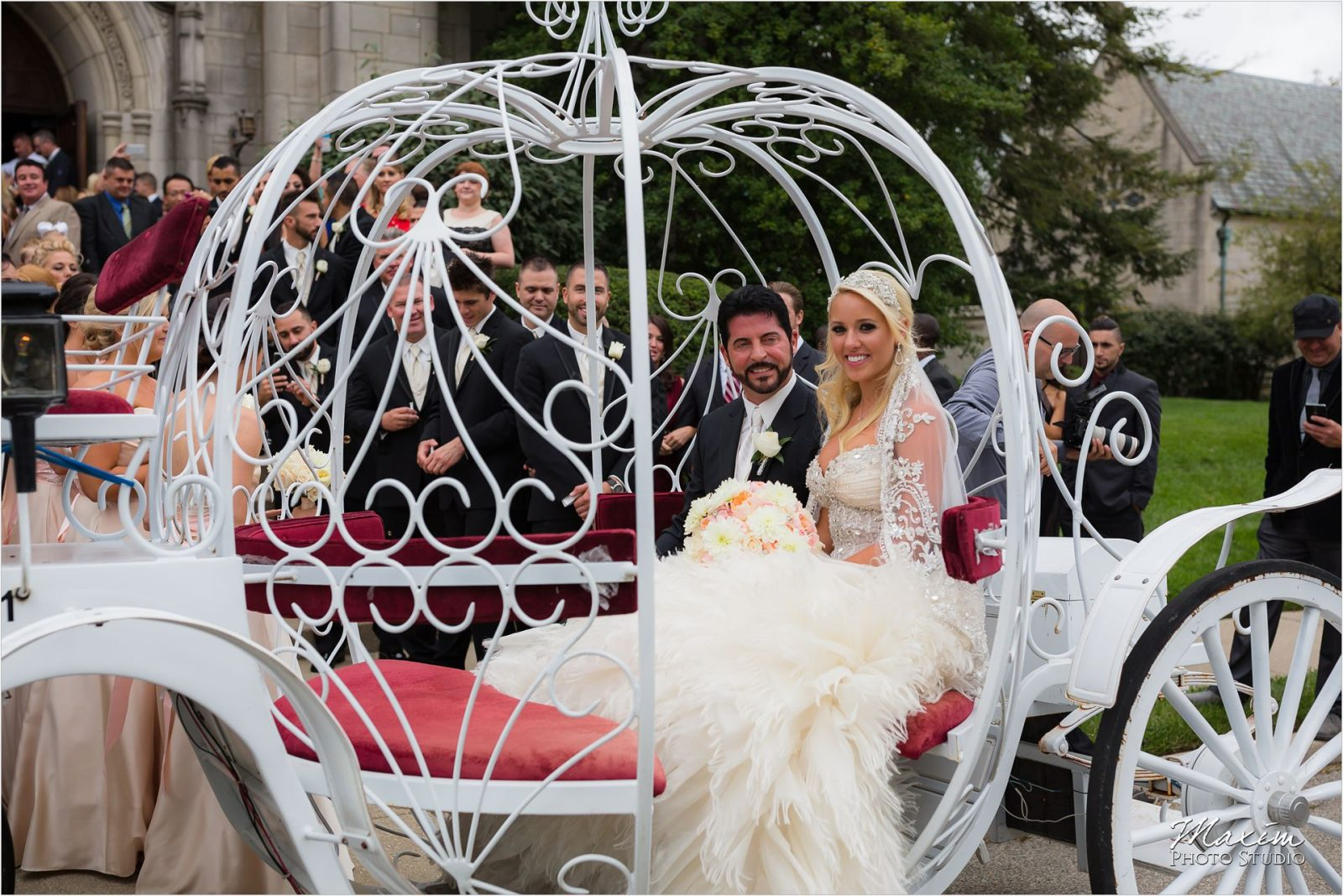 Cincinnati Wedding Photographers Hyde Park United Methodist Church Wedding bride groom horse carriage
