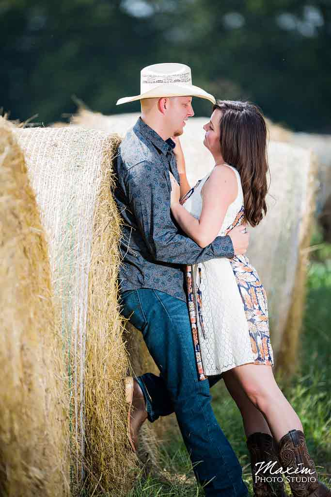 Best Dayton Ohio Farm Wedding Engagement Photography