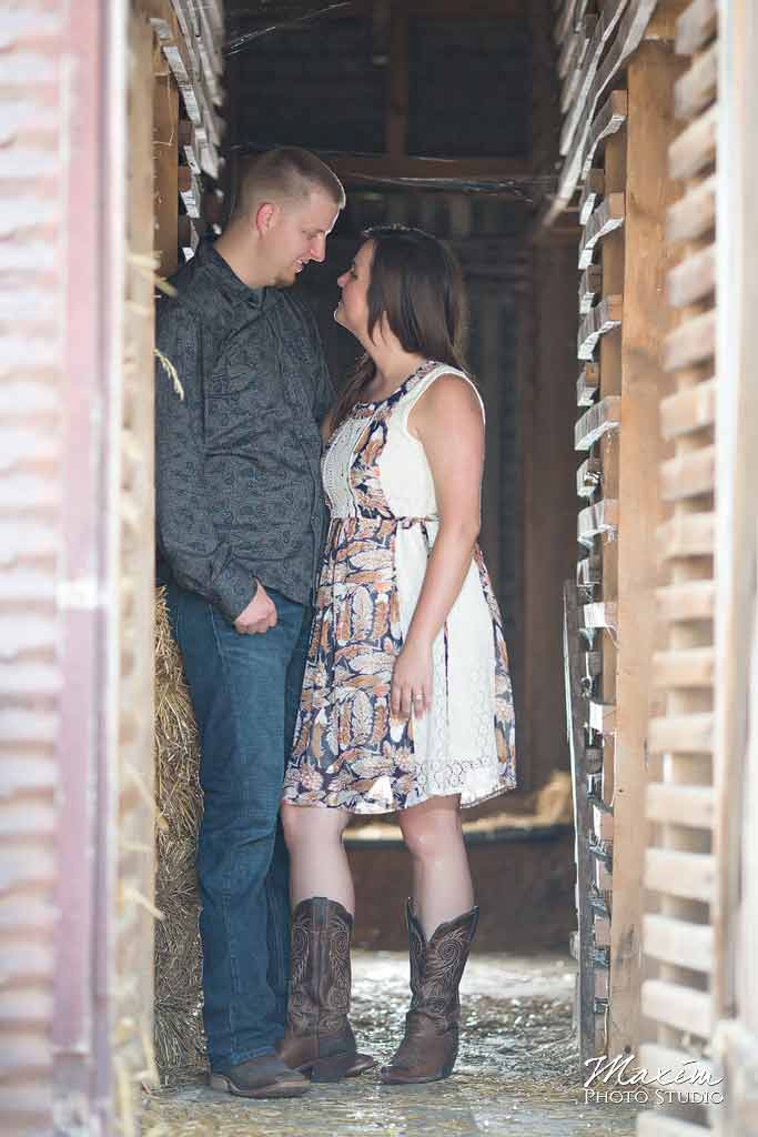 Barn'n'bunk Trenton Ohio Engagement Photographer