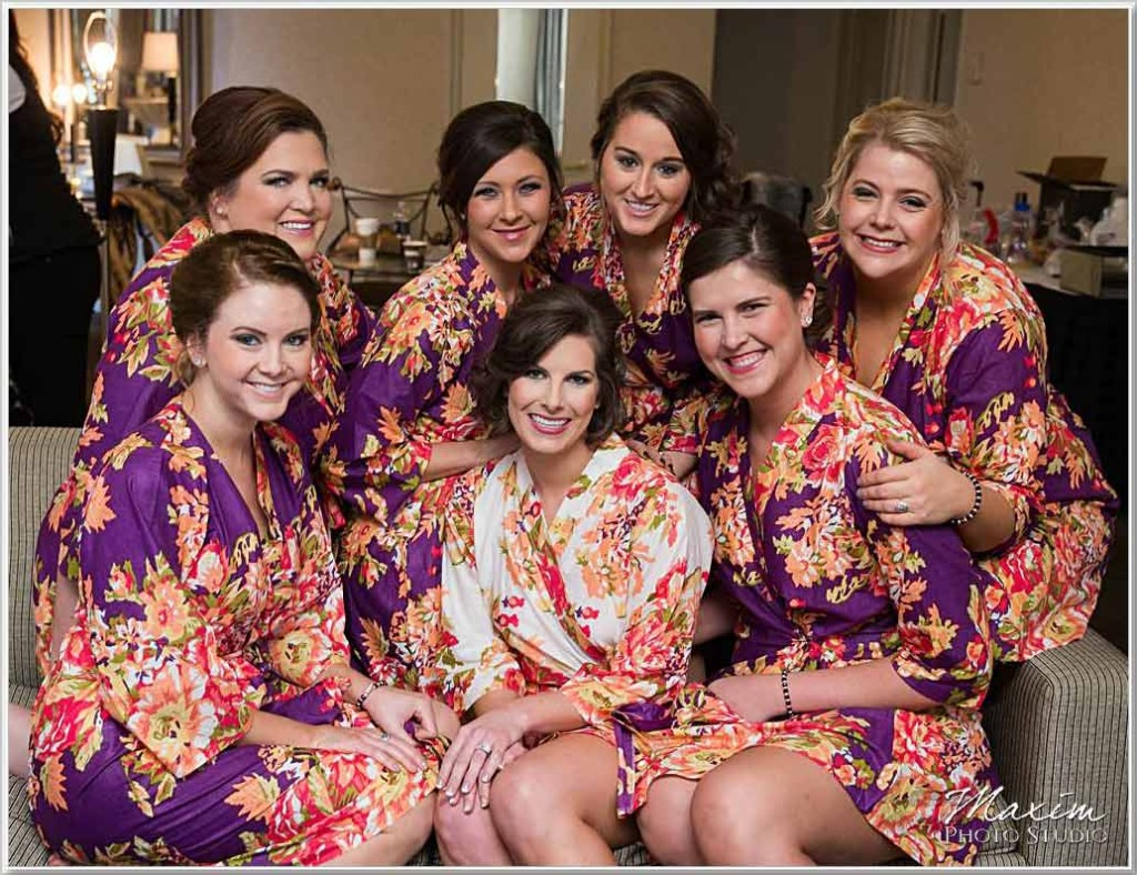 Hilton Netherland Plaza bride bridesmaids