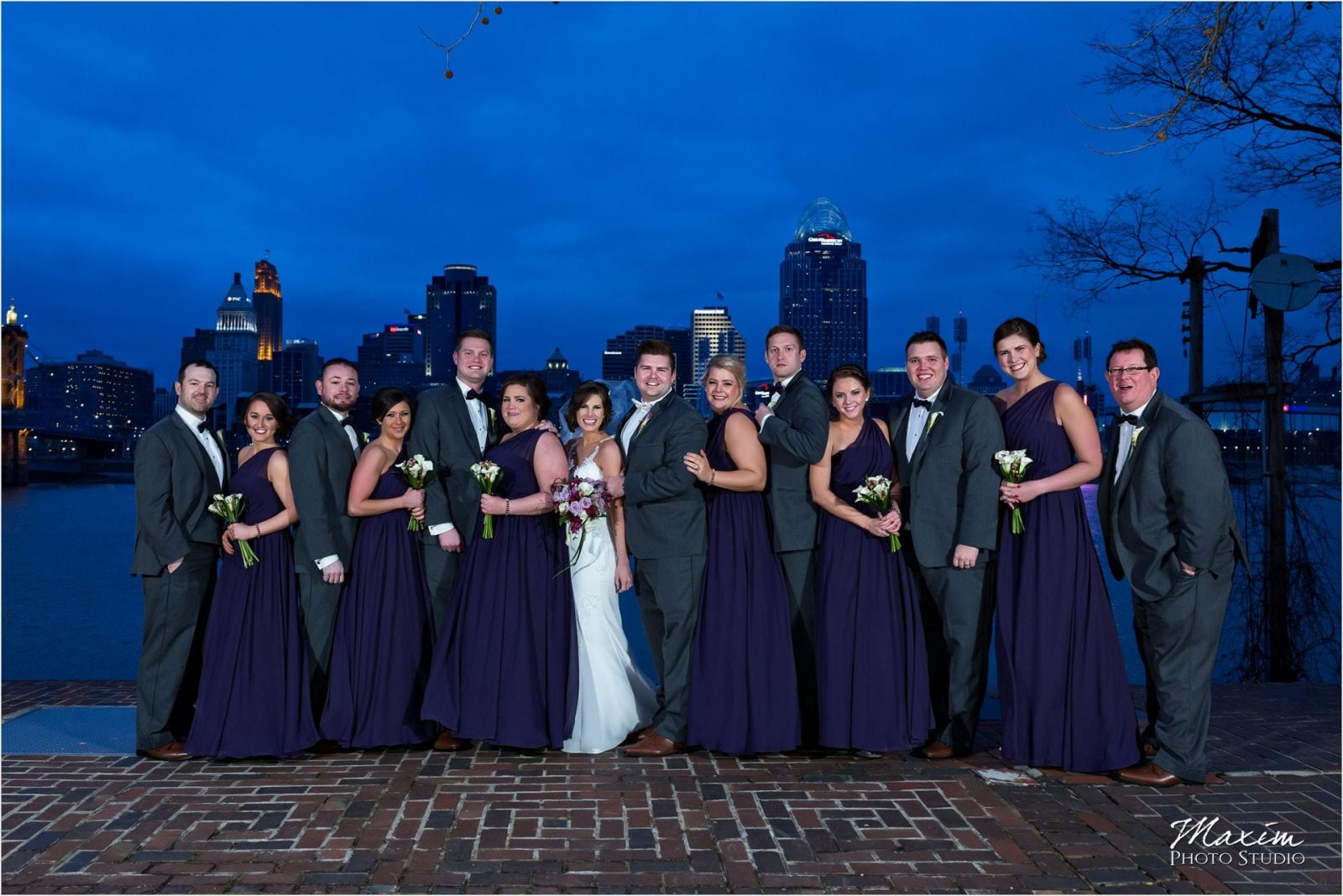 Cincinnati skyline bridal party