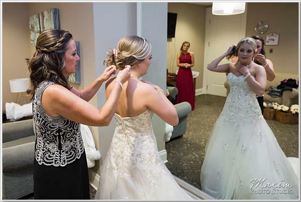Cooper Creek Event Center Wedding Bride preparations