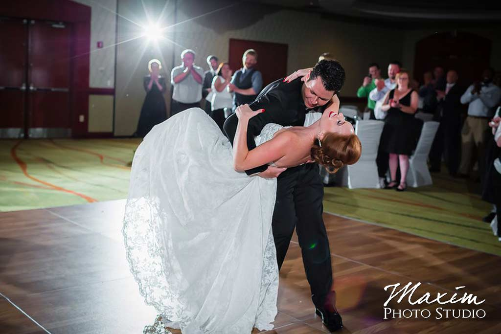 Reception bride groom dip dance