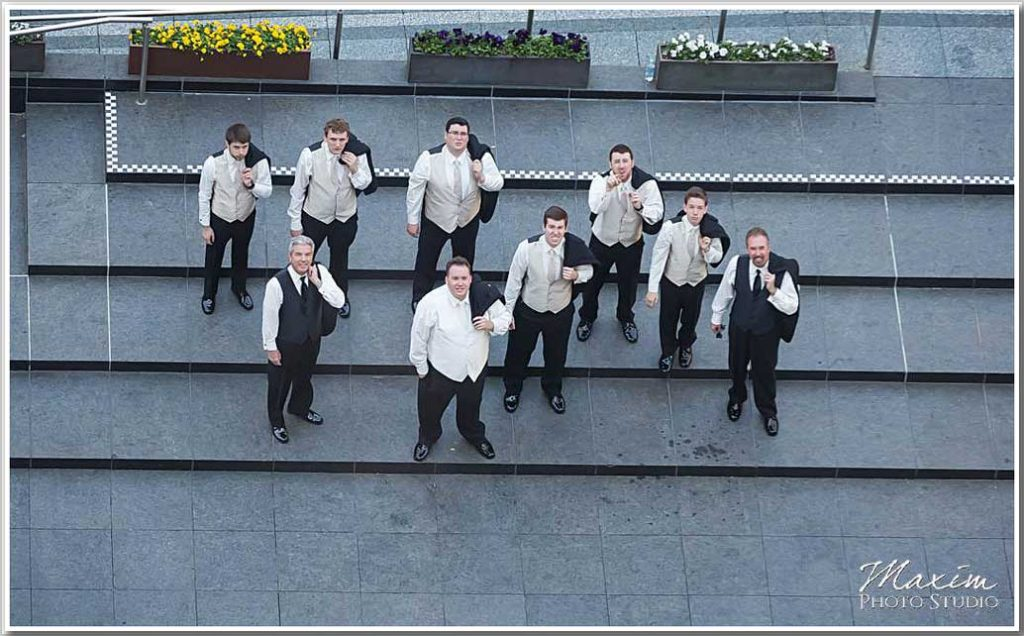 Fountain Square Cincinnati Groom Groomsmen