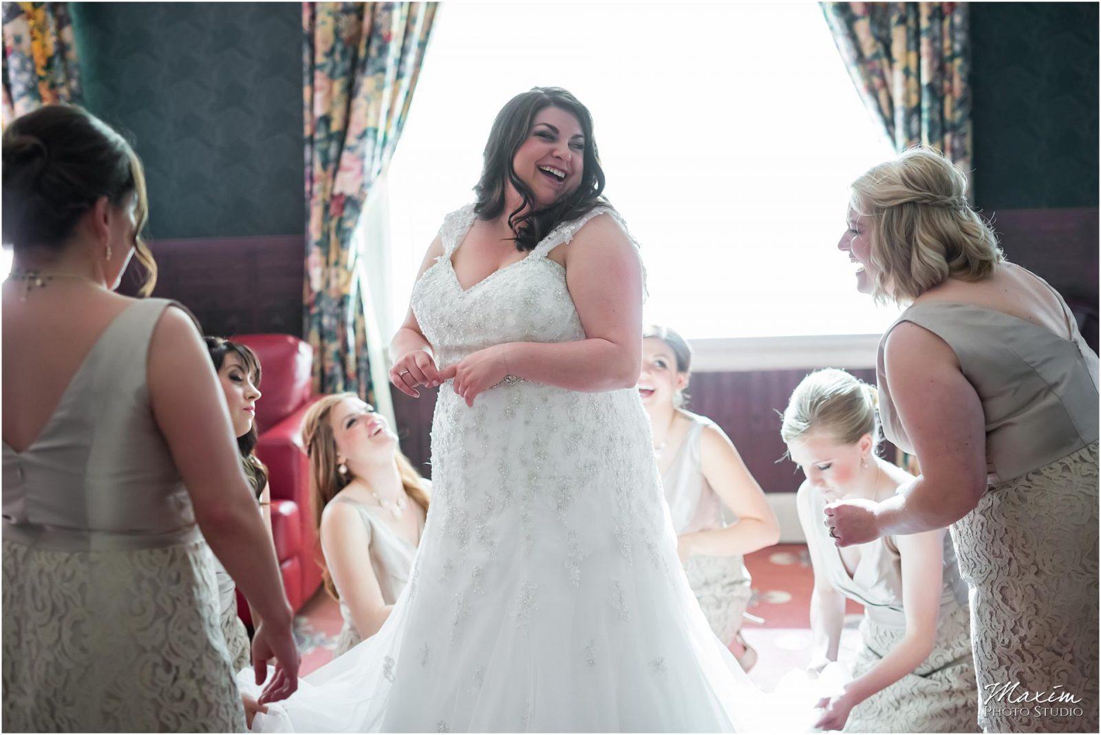 The Phoenix Cincinnati Wedding, Bride Preparations Cincinnati