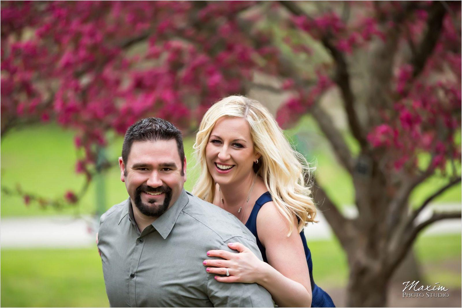Ault Park Cincinnati Spring Engagement