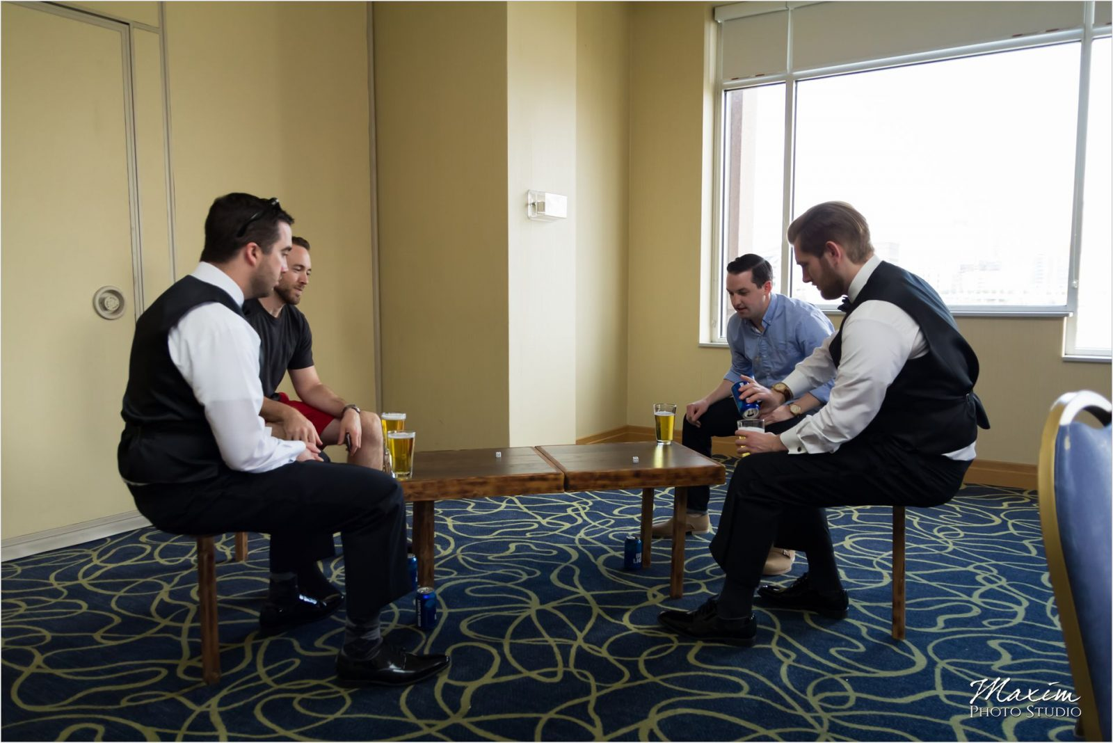 Marriott Rivercenter Covington Kentucky Wedding Groom Preparations