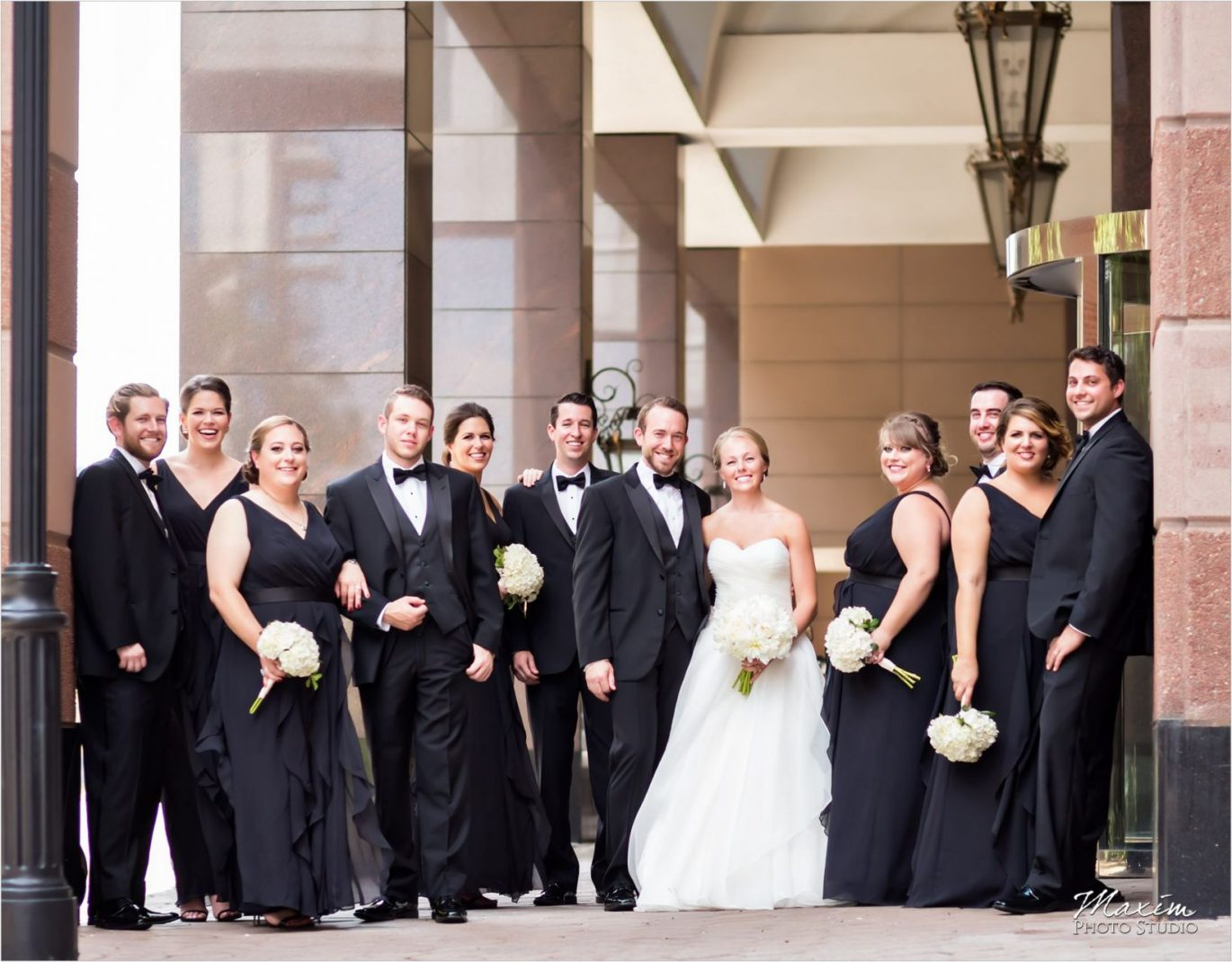 Marriott Rivercenter Covington Kentucky Wedding Bridal Party pictures