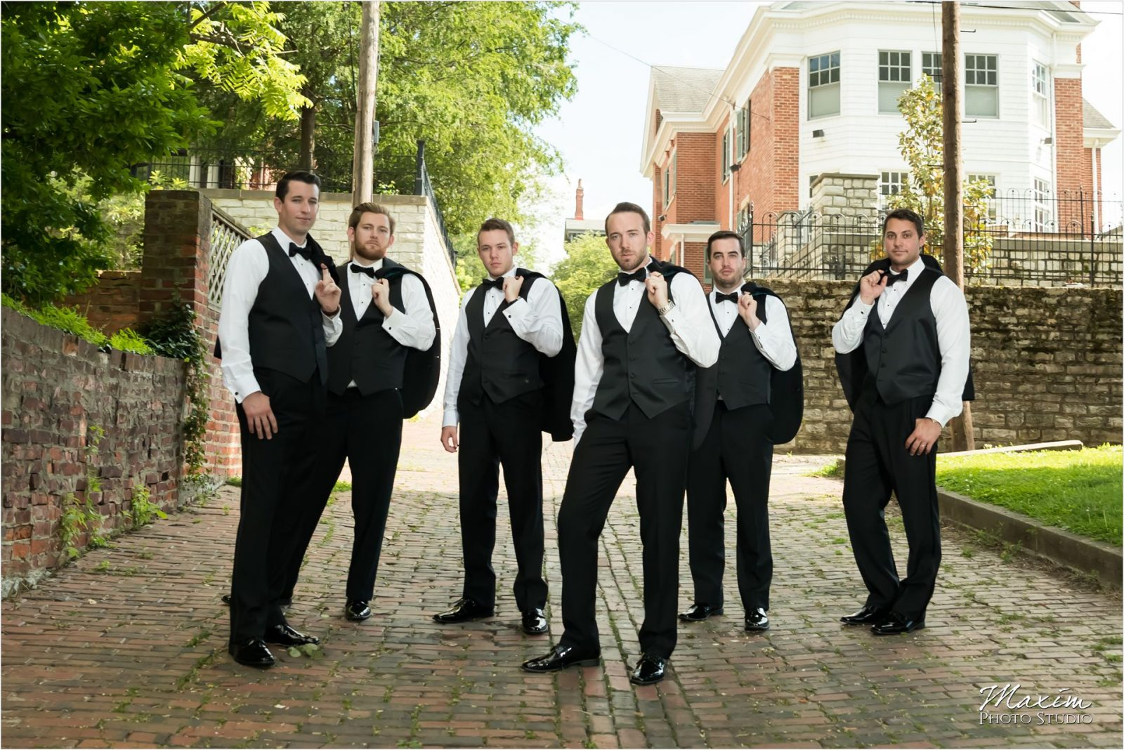 George Rogers Clark Park Covington Kentucky Wedding Bridal Party pictures